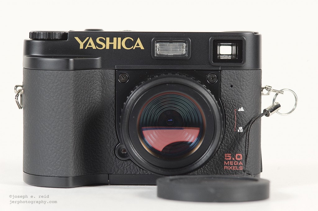 Yashica EZ F521